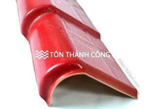 Read more about the article Tấm viền mái phải – Phụ kiện ngói nhựa ASA/PVC