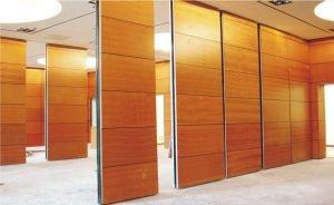 Read more about the article Tấm mica ốp tường dùng cho trang trí thiết kế và xây dựng