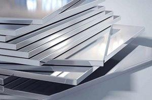 Read more about the article Tấm hợp kim nhôm nhựa và đặc điểm kỹ thuật của vật liệu này